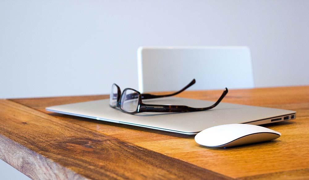 【長時間PC作業をする方必見】本当に効果のある疲れ目の治し方【長時間PC作業をする方必見】本当に効果のある疲れ目の治し方